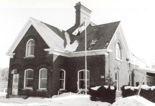 Exterior photo of Bronson Company Office[Online image]. (1991). Retrieved December 6, 2014 from  http://www.historicplaces.ca/en/rep-reg/image-image.aspx?id=4721#i1